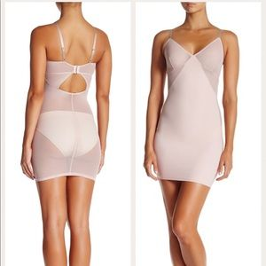 NWT Spanx Colorblock Slip in Nude Blush Size Large